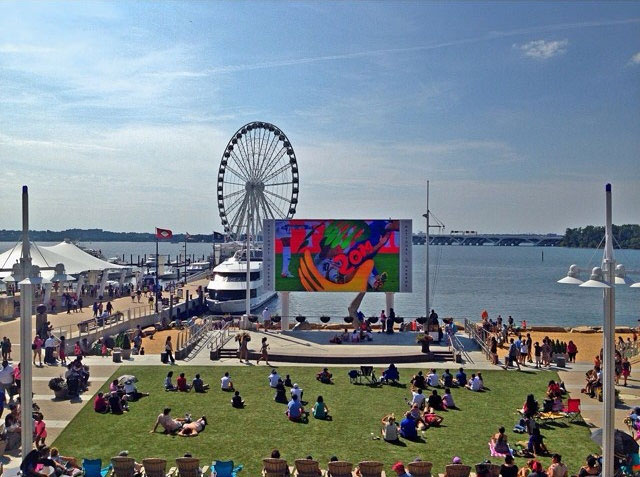 National Harbor's Plaza Screen
